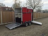 Ifor Williams HB506 paardentrailer, rood.