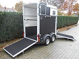 Ifor Williams HB403 paardentrailer, zwart.