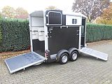 Ifor Williams HB511 paardentrailer, zwart.
