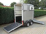 Ifor Williams HB403 paardentrailer, zilver.