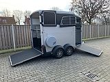 Ifor Williams HBX-511. zilver.