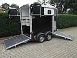 Ifor Williams HB506 paardentrailer, zwart.